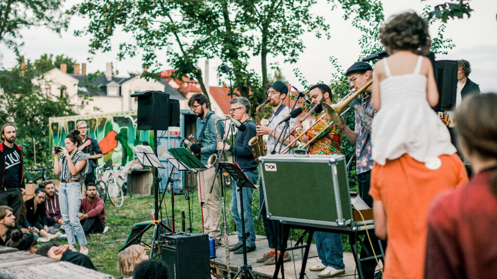 Moritz Sembritzki - Koerper - unusual lineup and progressive band sound